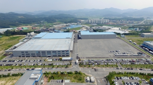 This photo, courtesy of Hyundai Mobis, shows Hyundai Mobis Co.'s eco-friendly vehicle parts complex in the central city of Chungju. (Yonhap)