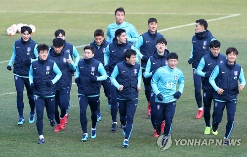 This file photo taken Dec. 4, 2017, shows the South Korean national football team's training at Ulsan Stadium in Ulsan. (Yonhap)