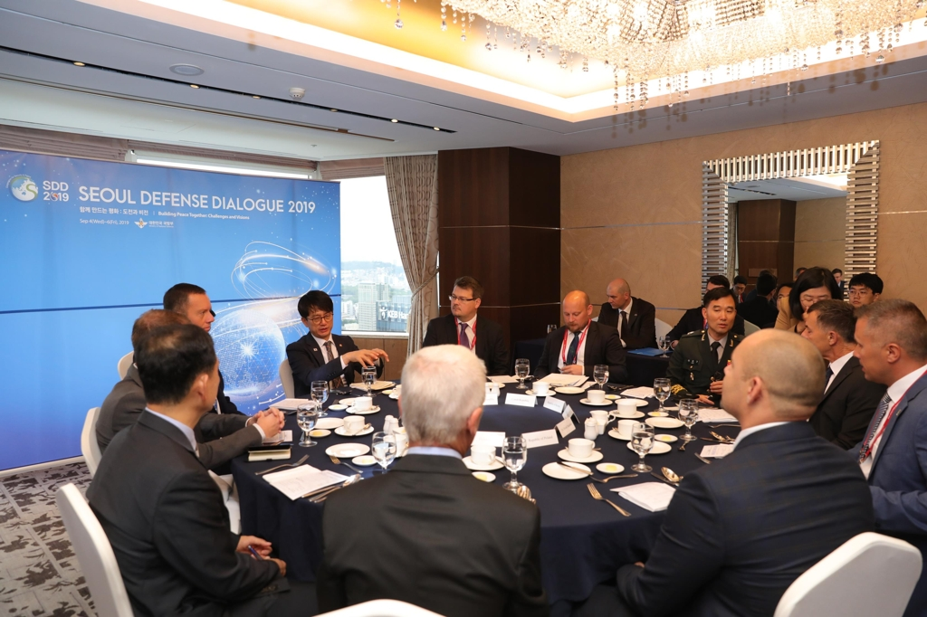 South Korean Vice Defense Minister Park Jae-min meets with his counterparts from Hungary, the Czech Republic, Slovakia and Poland on the sidelines of the eighth Seoul Defense Dialogue in Seoul on Sept. 6, 2019, in this photo provided by the defense ministry. (PHOTO NOT FOR SALE) (Yonhap)