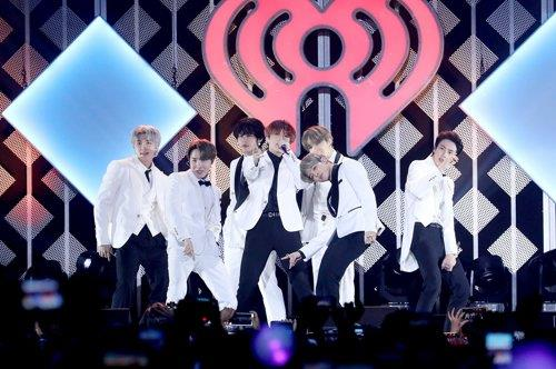 This photo of BTS performing at KIIS FM Jingle Ball concert on Dec. 6, 2019, at California's the Forum arena in Inglewood, the United States, is provided by Big Hit Entertainment. (PHOTO NOT FOR SALE) (Yonhap)