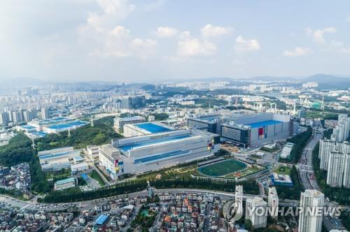 Korea's chipmaking equipment spending likely to be 3rd largest this year: report