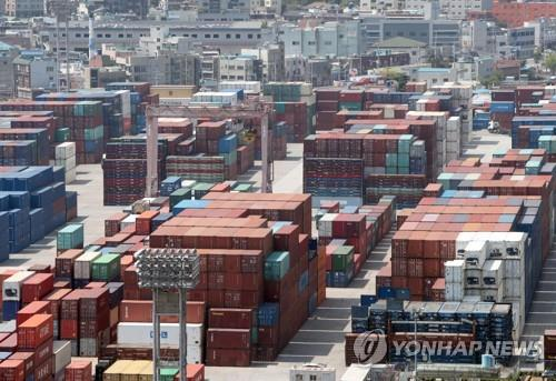 Number of exporters edges up amid weaker overseas shipments in 2019