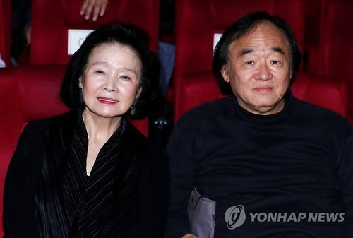 Pianist Paik Kun-woo denies claims he abandoned his wife suffering from Alzheimer's
