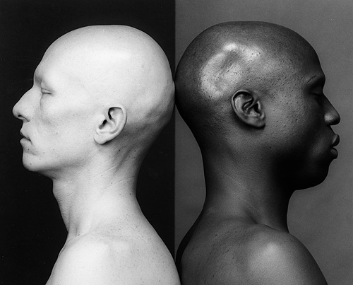"This image, provided by Kukje Gallery, shows Robert Mapplethorpe's work ""Ken Moody and Robert Sherman"" (1984). (PHOTO NOT FOR SALE) (Yonhap)"