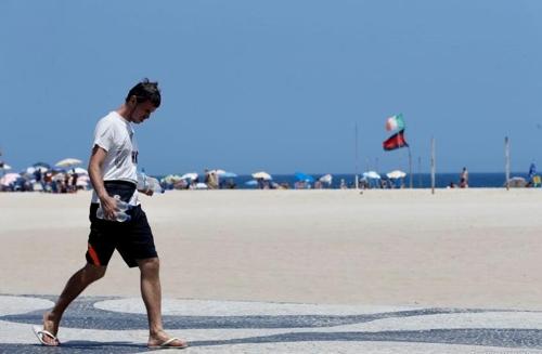 뜨거운 태양열이 내리쬐는 리우의 해변 [국영 뉴스통신 아젠시아 브라질]
