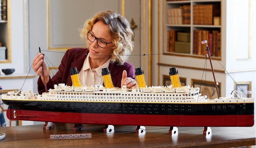 레고 역대 최대의 조립식 완구 '타이태닉'