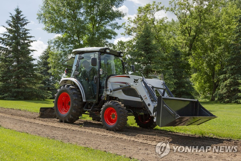 This file photo provided by Doosan Bobcat Inc. shows a compact tractor. (PHOTO NOT FOR SALE) (Yonhap)