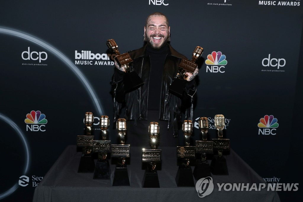 AWARDS-BILLBOARD/