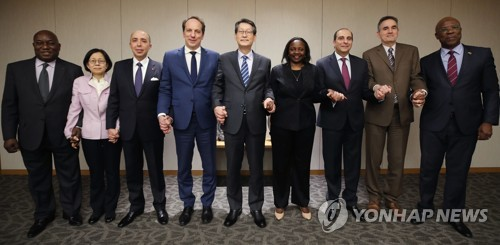 Top envoys from French-speaking countries visit Yonhap News Agency