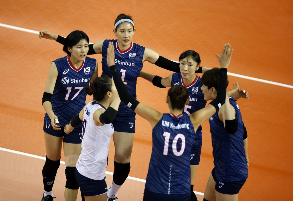 In this Aug. 4, 2019, file photo provided by the FIVB, South Korean players celebrate a point against Russia during their Group E match of the FIVB Intercontinental Olympic Qualification Tournament at DS Yantarny in Kaliningrad, Russia. (PHOTO NOT FOR SALE) (Yonhap)