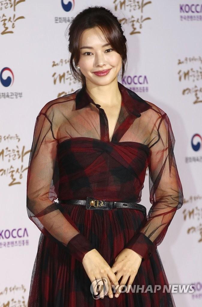 الممثلة لي ها-ني | وكالة يونهاب للانباء