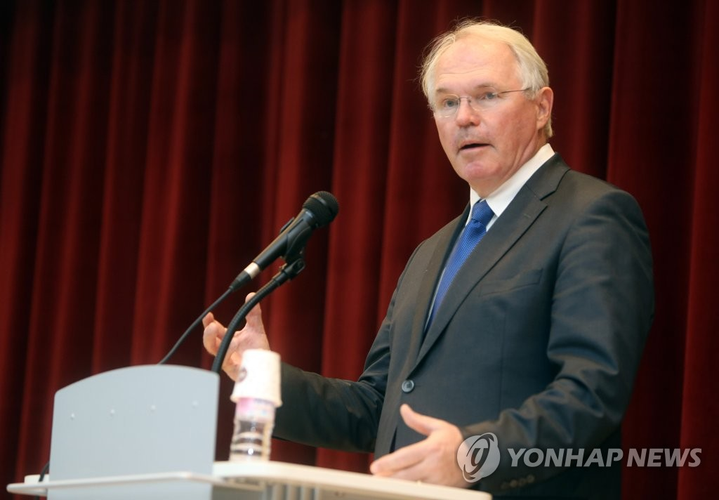 This file photo shows Christopher Hill, former U.S. assistant secretary of state for East Asian and Pacific Affairs. (Yonhap)