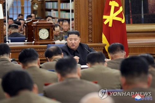 (LEAD) No Christmas gift from N. Korea, but situation far from over
