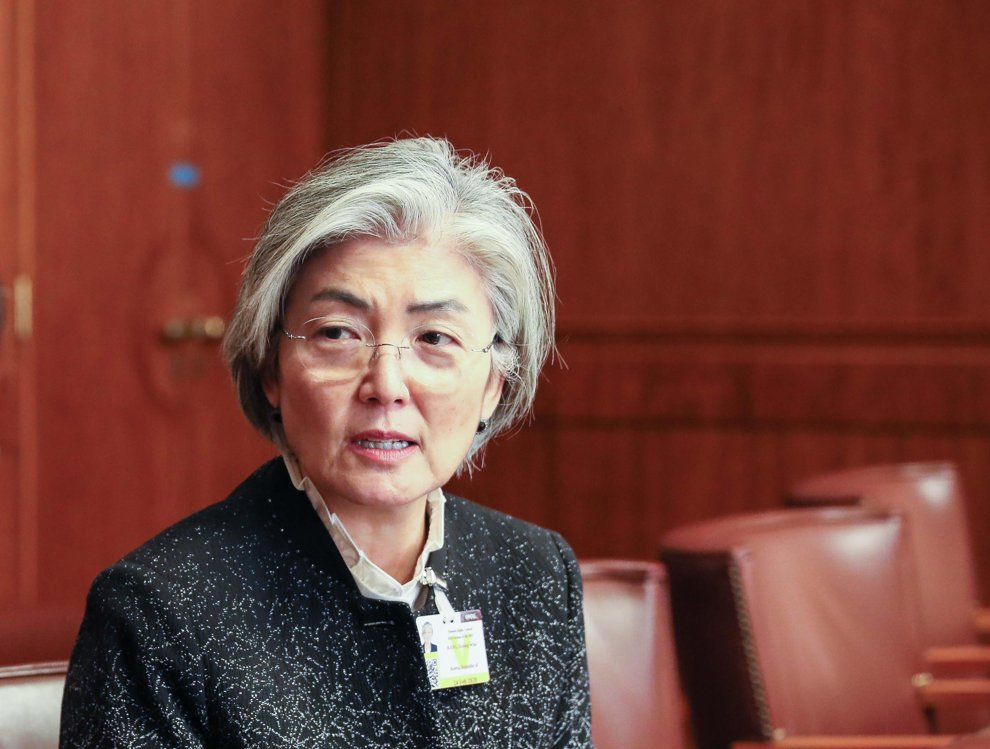 Foreign Minister Kang Kyung-wha speaks during an interview with Yonhap News Agency in Geneva on Feb. 24, 2020, in this photo provided by her ministry. (PHOTO NOT FOR SALE) (Yonhap)