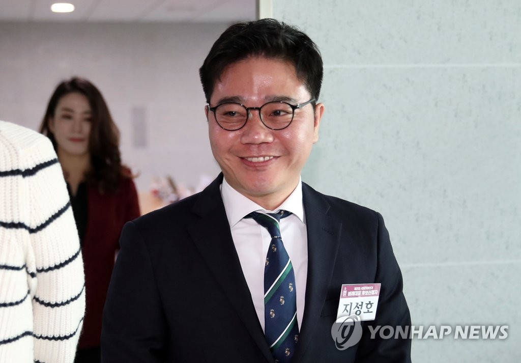 This file photo from March 12, 2020, shows lawmaker elect Ji Seong-ho attending an interview for the United Future Party's proportional representation candidates at the National Assembly in Seoul. (Yonhap)
