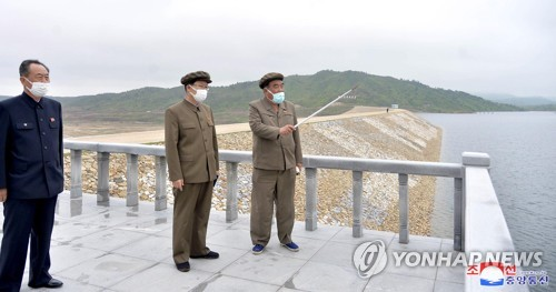 NK premier inspects waterways