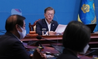 (LEAD) Moon warns of zero tolerance for those who hamper antivirus fight